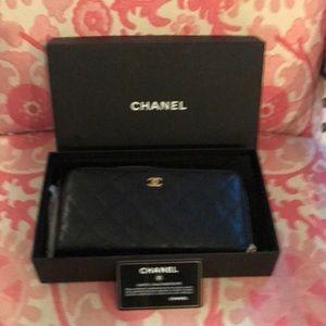 Chanel classic caviar zipped long wallet